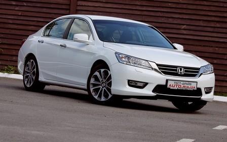 Honda Accord: видеообзор