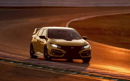 Honda Civic Type R установил новый рекорд скорости. ВИДЕО