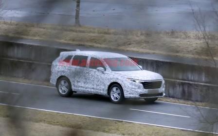 Honda CR-V нового покоління «засвітився» на дорозі. Що змінилося?
