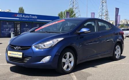 Hyundai Elantra с пробегом можно купить в кредит от 79 грн в день!