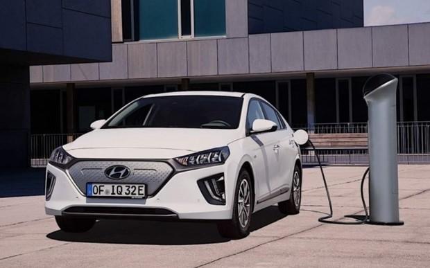Hyundai Ioniq обновляется к новому модельному году.