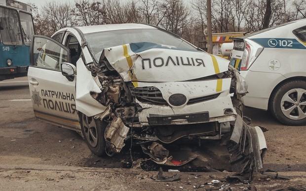 И опасна, и трудна. В полиции рассказали как часто украинские копы бьют казенный транспорт
