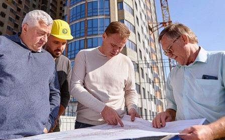 Игорь Кушнир лично проверил ход строительства объектов Укрбуд