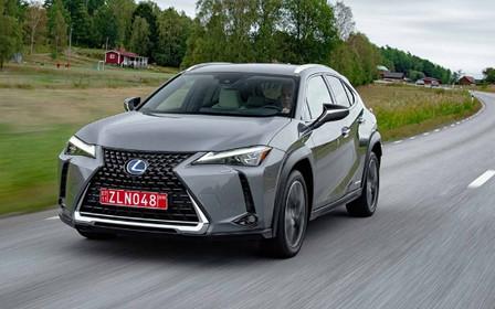 «Исследуйте город вместе с Lexus UX»