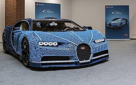 Из конструктора Lego сделали Bugatti Chiron, который ездит! ВИДЕО
