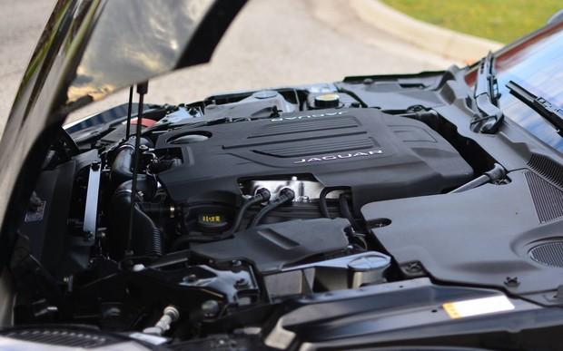 Jaguar Land Rover может перейти на двигатели BMW