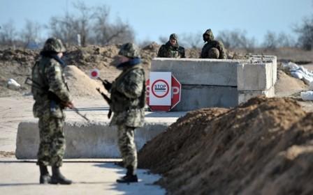 Кабмин: В зоне АТО и районах возле Крыма вводят пограничный режим
