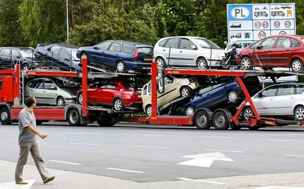 Как купить авто за границей: от оформления «купчей», до транзитных номеров