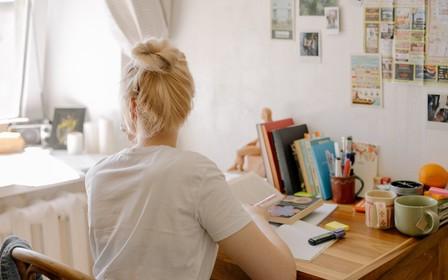 Как украсить комнату в общежитии?