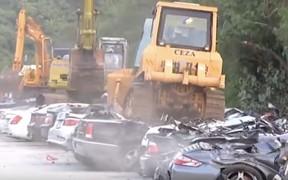 Кармагеддон: власти Филиппин уничтожили 60 машин на 6 млн. евро