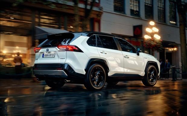 Харьковский салон «Автоарт» предлагает уже сейчас купить Тойоту RAV4 2019 года