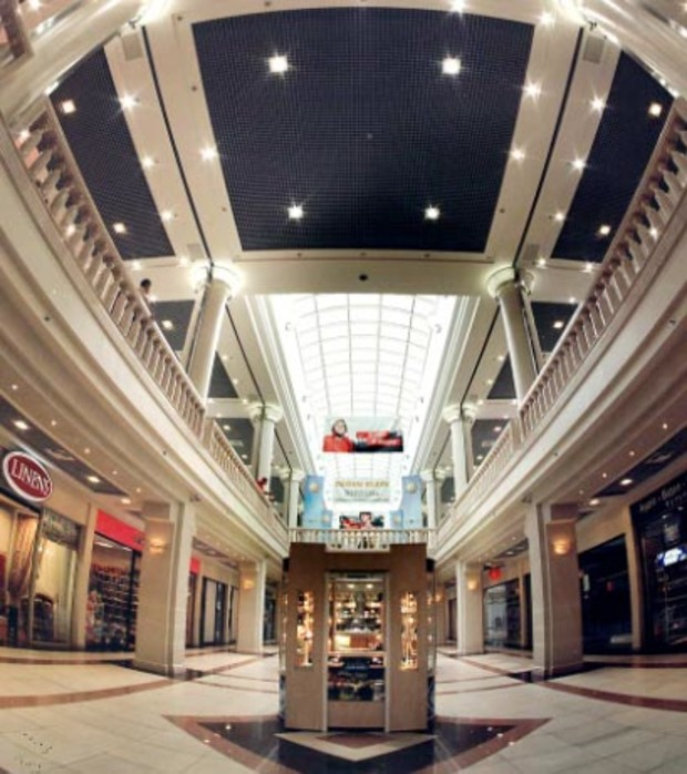Киевляне все реже посещают столичные торговые центры