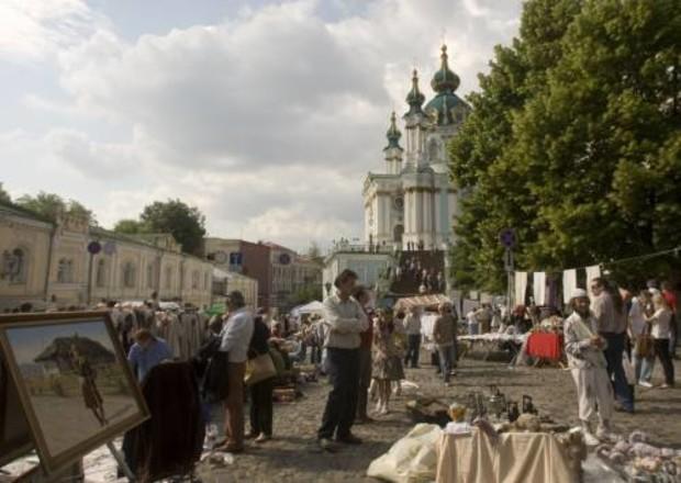 Киевсовет разрешил строить ТЦ с паркингом на Андреевском спуске