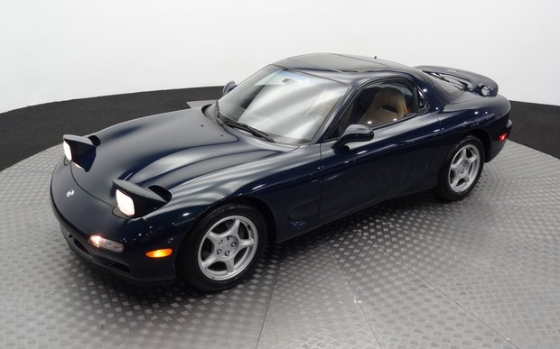 Классическую Mazda RX-7 в идеальном состоянии оценили в 42 тысячи долларов