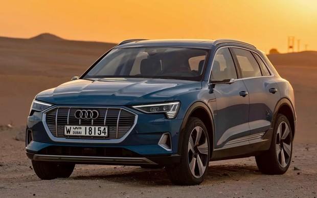 Клиенты Audi получат свои e-tron позже обещанного