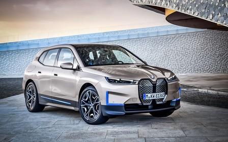 Компания BMW представила электрический кроссовер iX. Что с ценой?