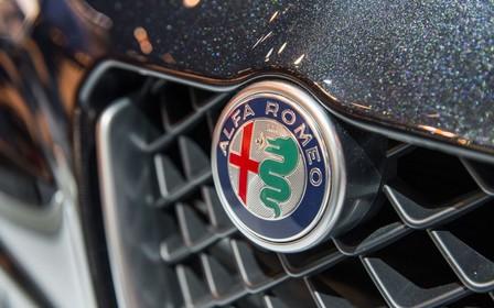 Кроссовер Alfa Romeo Stelvio покажут позже намеченного
