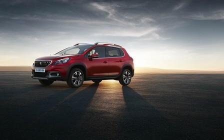Кроссовер Peugeot 2008 обновился внешне и получил новые двигатели (видео)