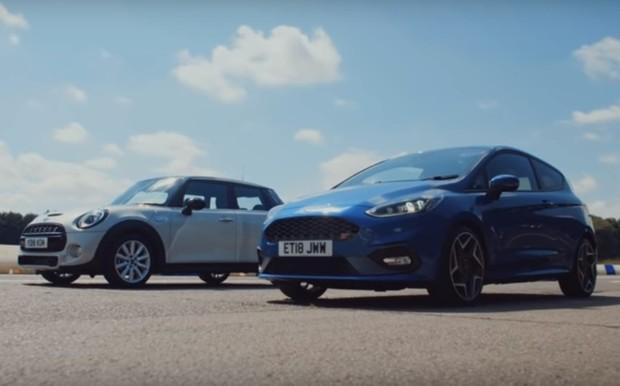 Кто кого? Ford Fiesta ST против Mini Cooper S. ВИДЕО