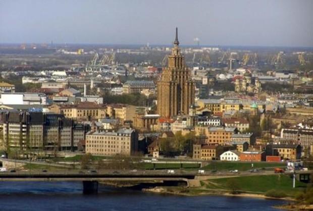 Латвия продает жилье с видом на ЕС