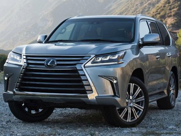Lexus показал обновленный LX