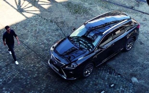Lexus випускає лімітовану версію RX 350 до 30-річчя бренду
