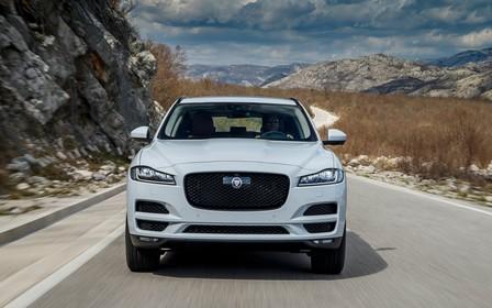 Лише 3 Jaguar у наявності на спецумовах.