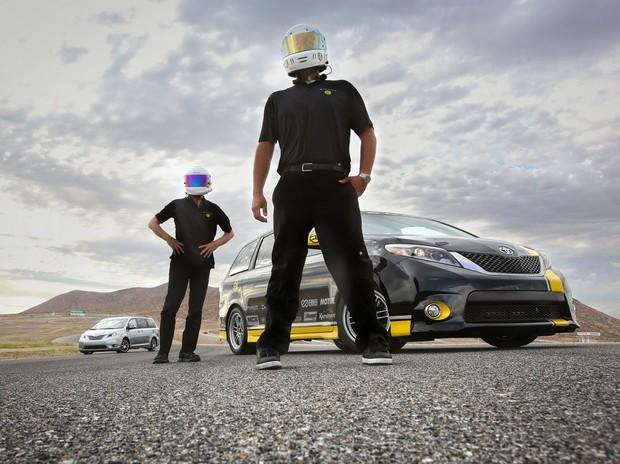 Минивэн Toyota обошел на треке Chevrolet Camaro SS