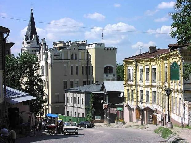 На Андреевском спуске построят магазин по продаже товаров искусства