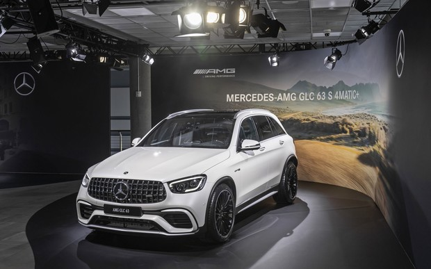 На автосалоне в Нью-Йорке Mercedes-Benz представил новые модели Mercedes-AMG и SUV.