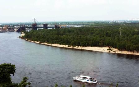 На Дніпровських островах демонтують недобудови