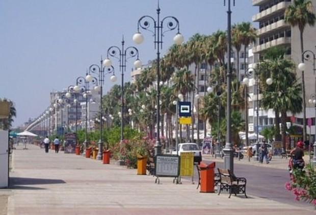 На Кипре жилье почти не продается