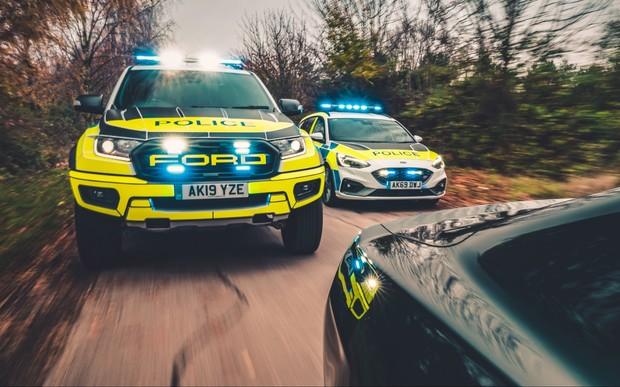 На Ranger и Focus рассчитайсь! Полиция получила новый пикап и «горячий» универсал