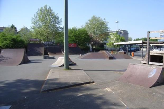 На Русановской набережной построят скейт-парк
