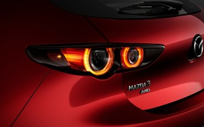 На счет «три»! Первые фото новой Mazda3