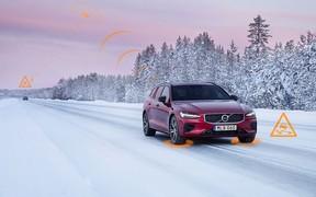 На території Європи автомобілі Volvo обмінюватимуться інформацією про слизькі дороги та потенційні загрози