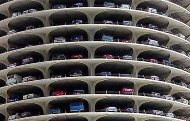 На въездах в Киев появятся «перехваточные» парковоки
