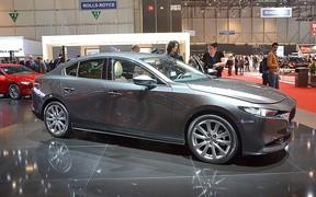 На Женевском автосалоне представлена новая Mazda3