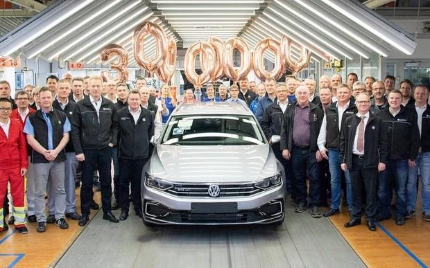 Названо найбільш продаваний седан у світі: VW Passat побив усі рекорди