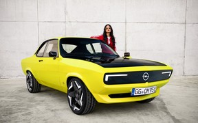 Не мочите «Манту»! Opel превратил винтажное купе в электромобиль. ВИДЕО