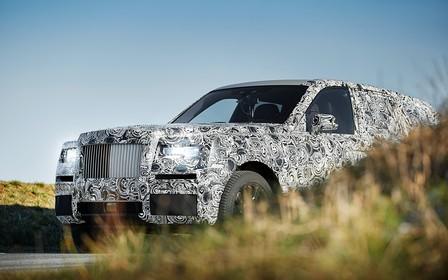 Не SUV: Первые фото прототипа вседорожного Rolls Royce