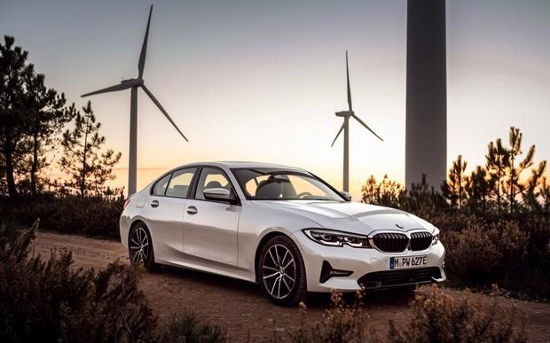 Не туди! Гібридний BMW 330e витрачає більше пального, ніж бензиновий 330i