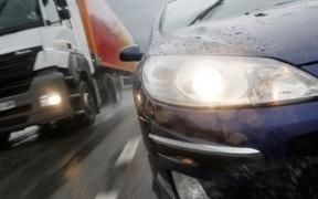 Негласные сигналы дальнобойщиков, или Правила водительского этикета на дороге
