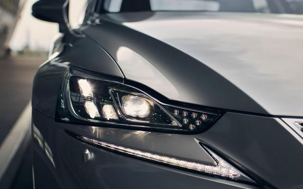 Ни свет, ни заря. Эксперты проверили фары новых автомобилей - и не обрадовались.