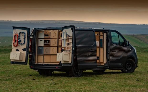 Nissan NV300 Concept-van - мобільна майстерня столяра із автономним живленням Nissan Energy ROAM