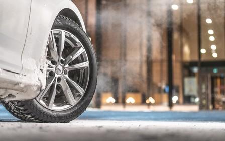 Nokian Tyres представила новые поколения шипованных шин