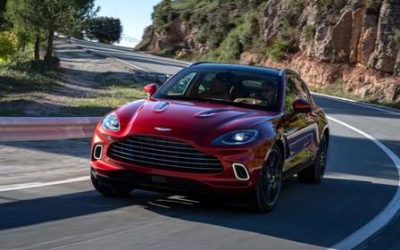 Новый Aston Martin DBX не догонит Lamborghini Urus