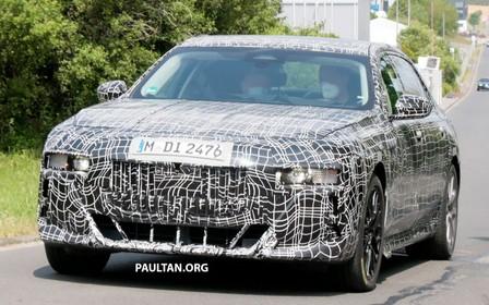 Новый BMW 7 серии засекли на испытаниях