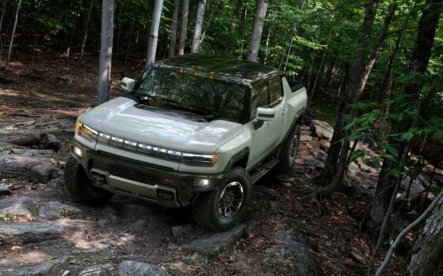 Новый GMC Hummer - момент подходящий? Есть первые фото!