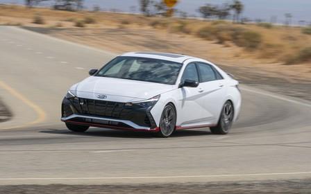 Новий Hyundai Elantra N: в США - з «механікою»?
